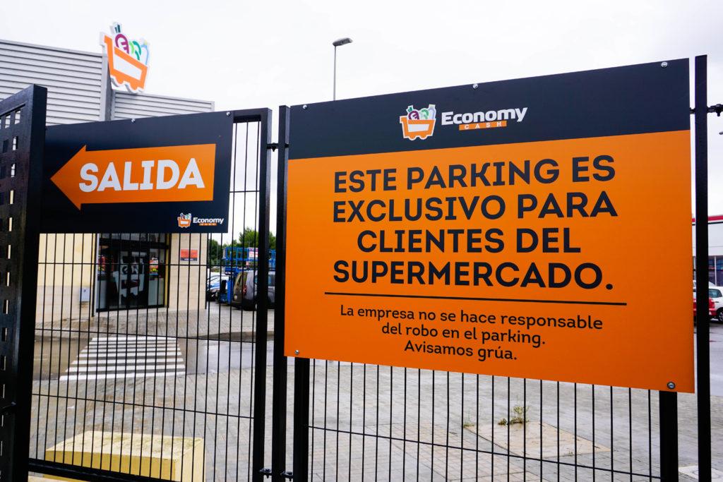 cartelería de parking